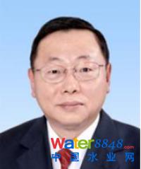 环境保护部固体废物与化学品管理技术中心主任助理胡龙华  照片